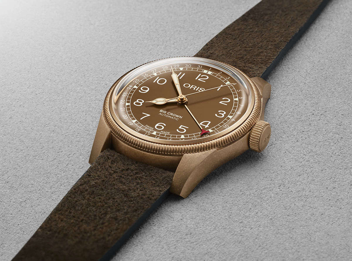Oris_Big_Crown_Bronze_Pointer_Date_4.jpg